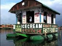 Floating Coffee Shop on Dal Lake fascinates tourists