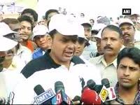 Maharashtra CM designate Fadnavis participates in \'Run for ...