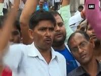 BSP workers protest against Dayashankar Singh