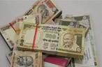 Rupee rallies in morning deals