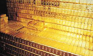 Gold eases, speculative buying in focus